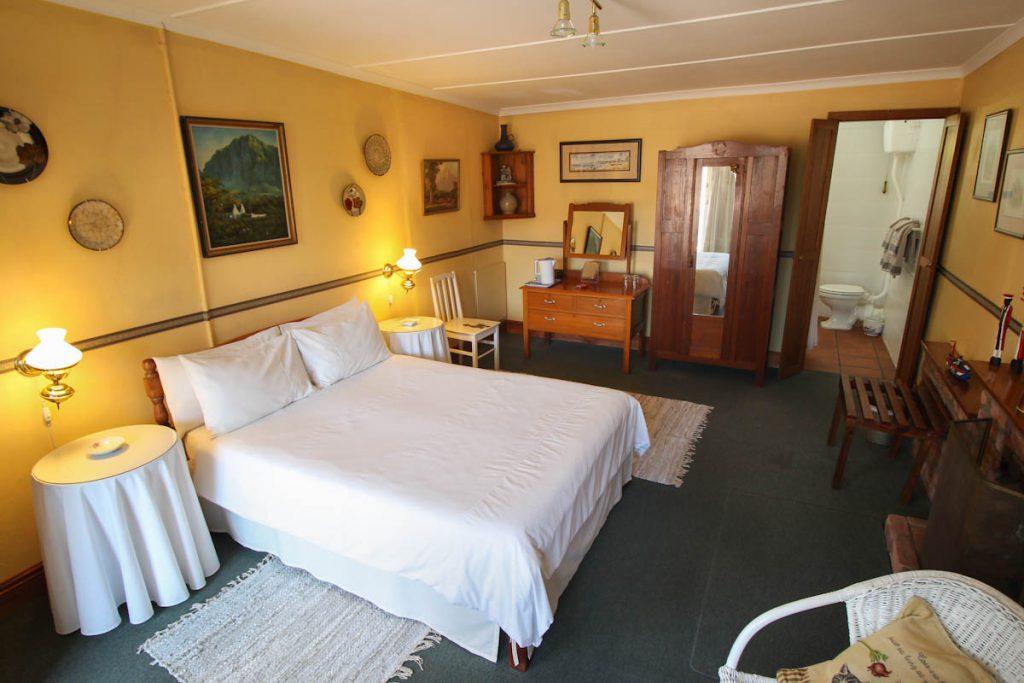 room-garden-suite-01