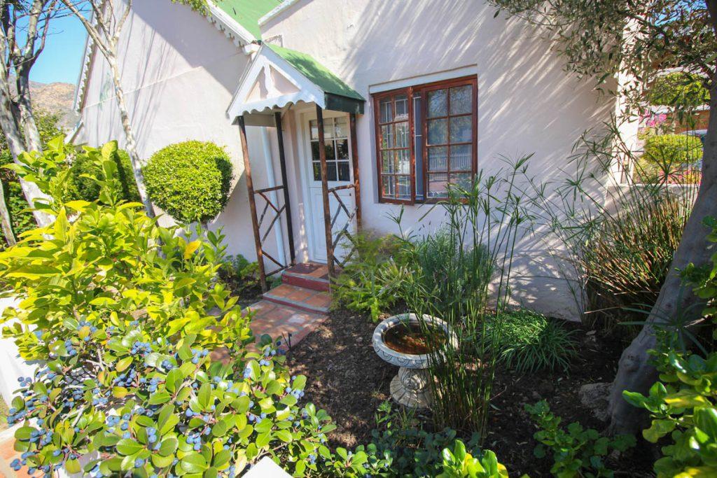room-garden-suite-07