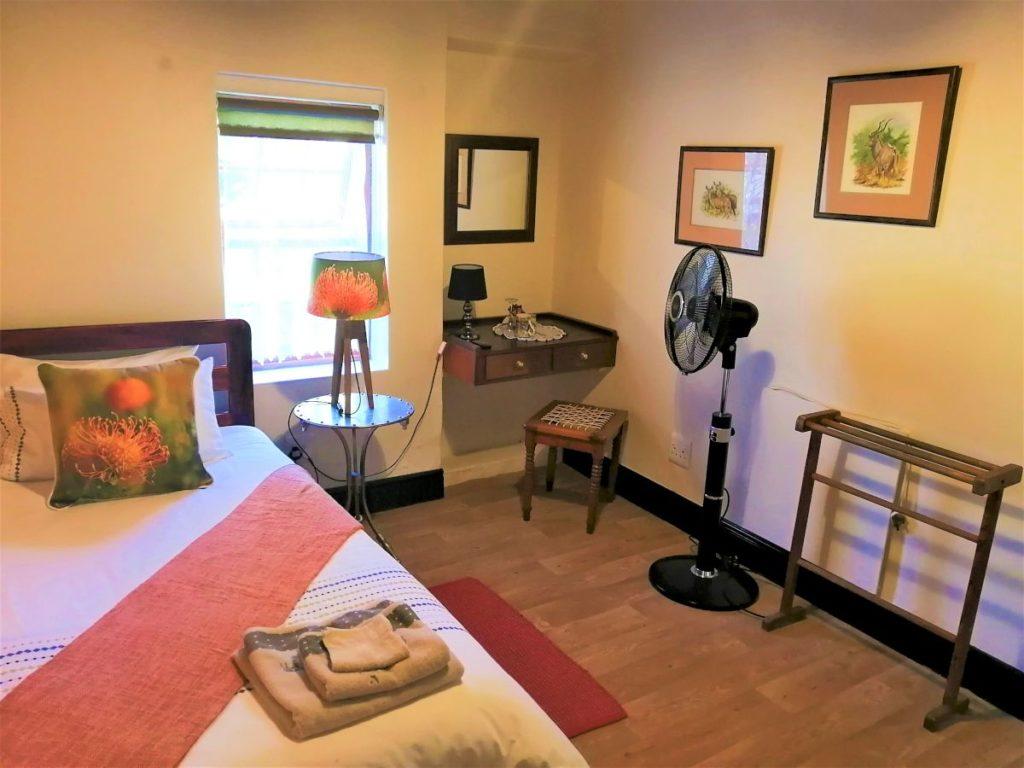 8 bedroom-H900